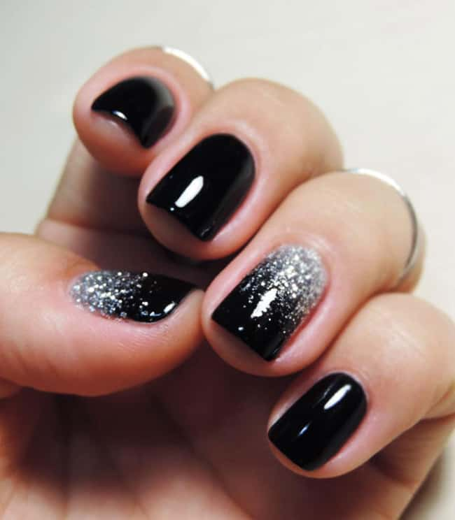 black-glitter-omber-diy-nail-art-designs-for-women