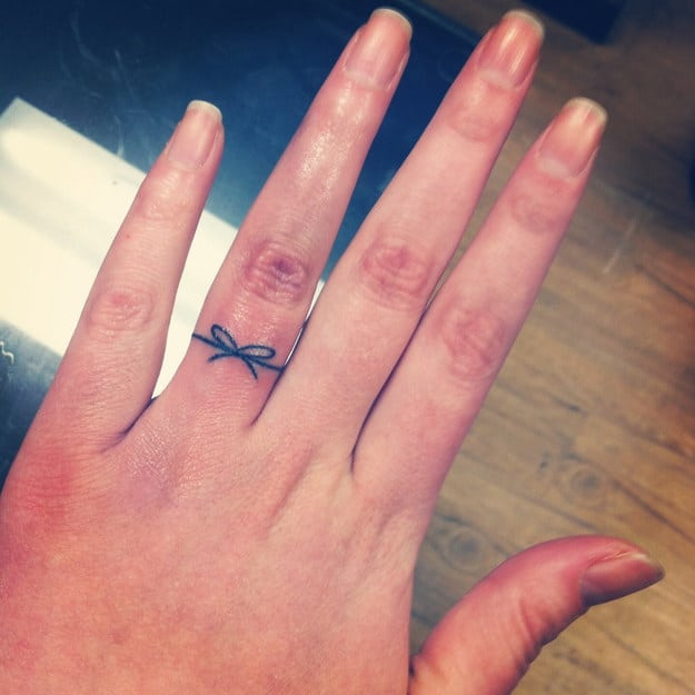 creative-simply-tie-it-to-your-finger-tattoos