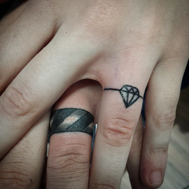 diamond-heart-wedding-ring-finger-tattoos