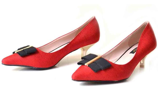 elegant-red-wedding-shoes-for-winter