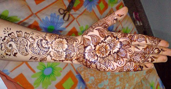 fancy-traditional-marwari-mehndi-for-new-year-2017