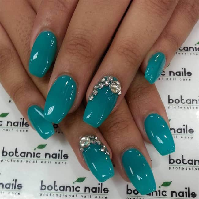 fantastic-rhinestone-nail-designs-for-new-year-party-2017