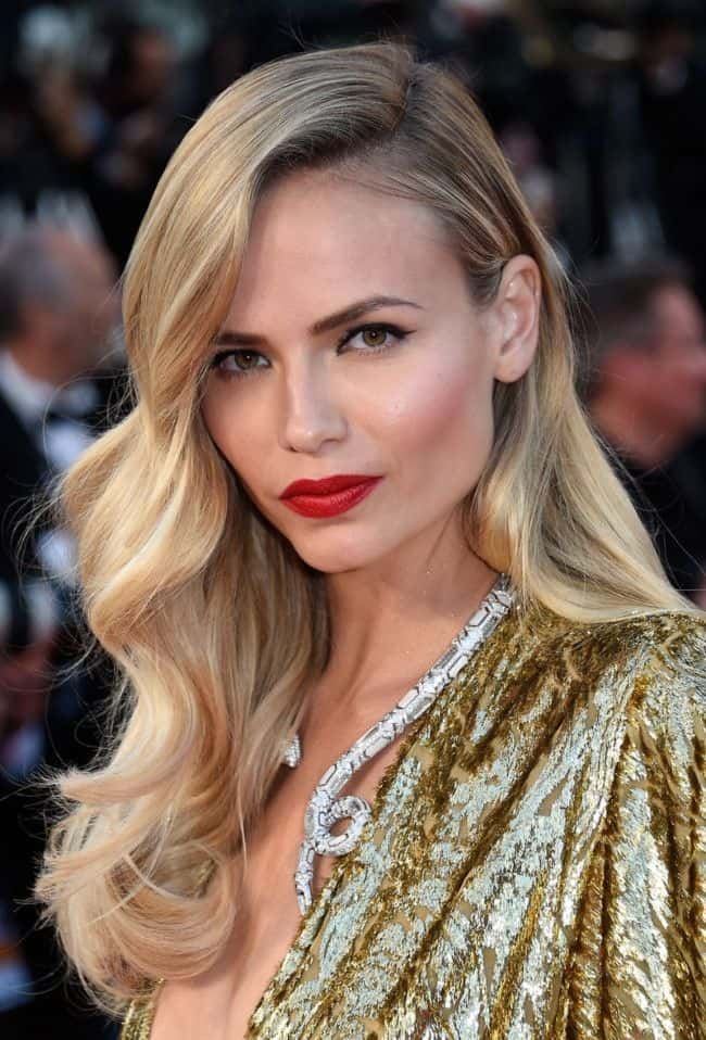 glamorous-red-carpet-hollywood-hairstyles-for-valentines-day