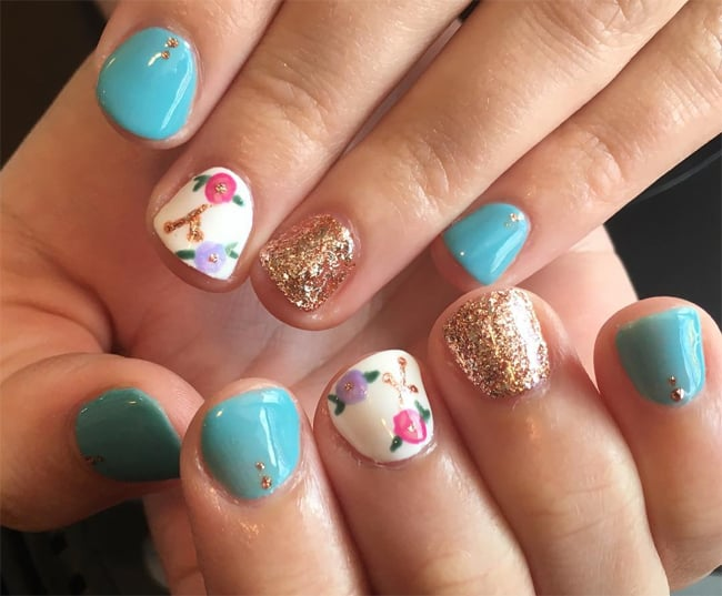 good-glitter-round-floral-nail-design-for-inspiration