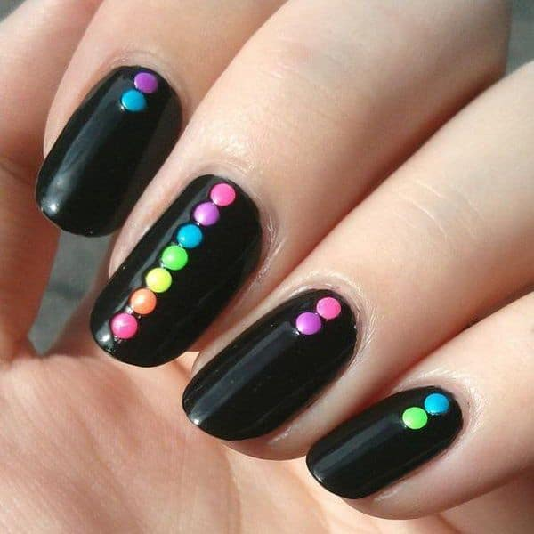 15 amazing diy nail art ideas for girls and women sheideas great black nail art diy designs for winter solutioingenieria Choice Image