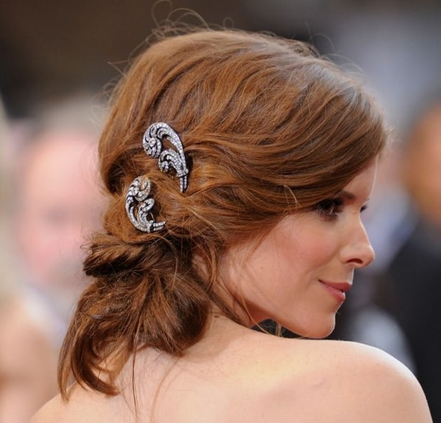 great-red-carpet-bobby-pinned-updo-haircuts-for-wedding