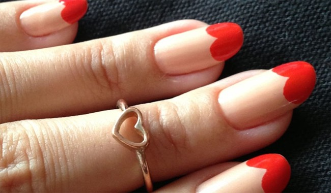 great-red-heart-shaped-round-nail-art-pictures