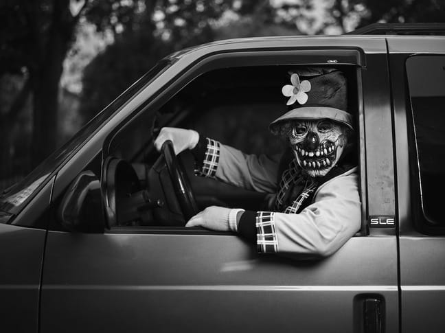 halloween-black-and-white-photography-examples
