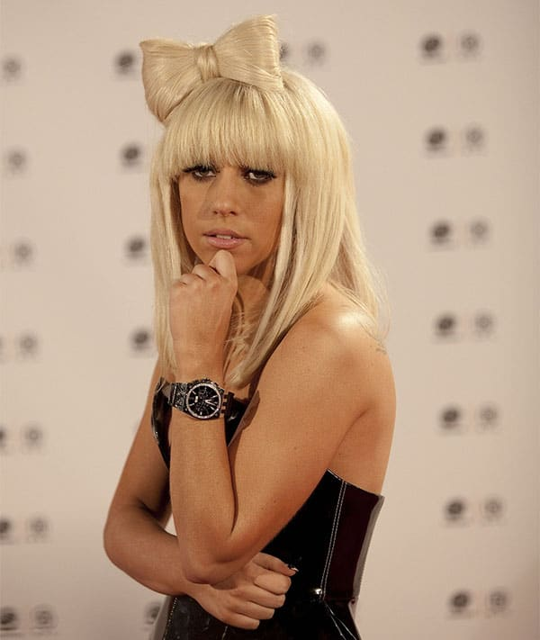 lady-gaga-halloween-bow-hairstyle-ideas