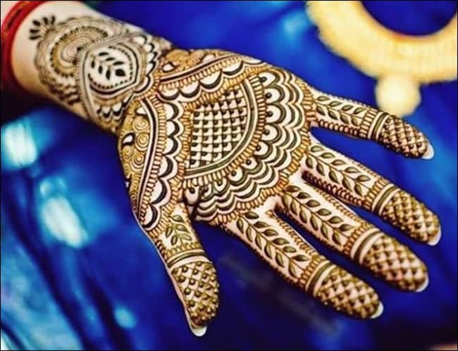 latest-pakistani-eid-henna-designs-for-muslim-girls