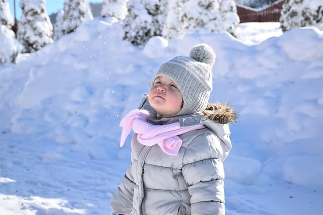 winter-happy-baby-photos