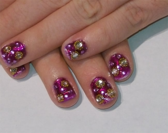 women-rhinestones-galore-nail-art-images