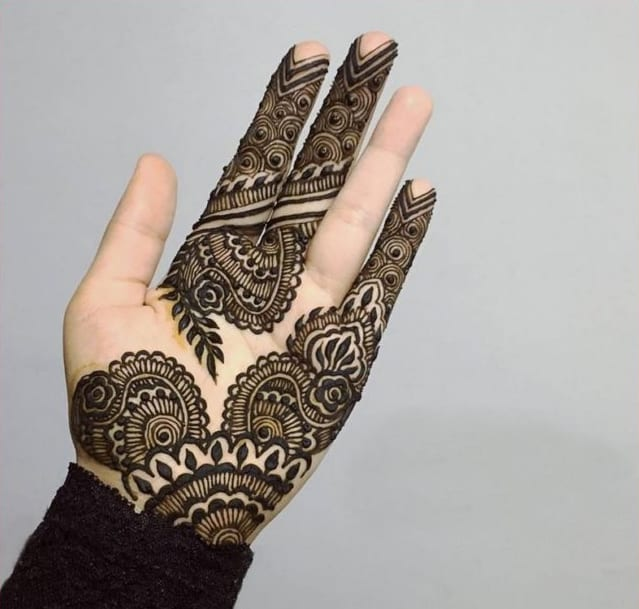 attractive-and-best-mehndi-designs-for-hands