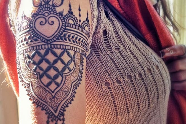 awesome-armband-mehndi-design-images-for-women