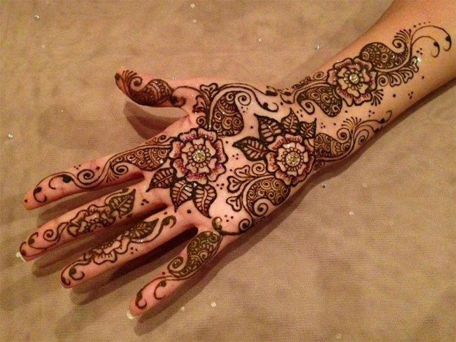 beautiful-gujarati-mehndi-designs-for-brides-2017
