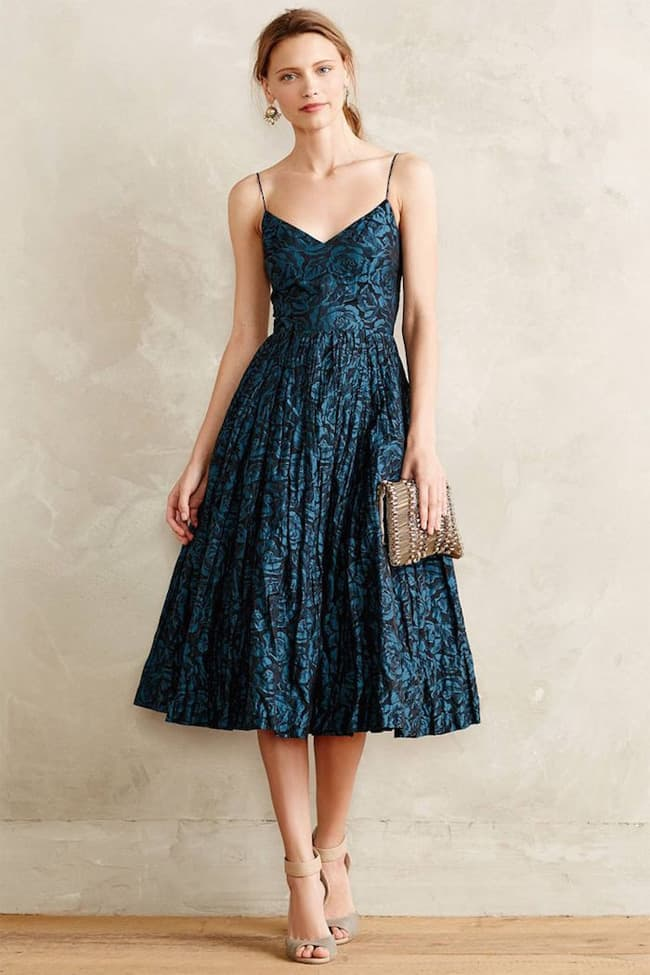 25 elegant wedding guest dresses collection sheideas for Fall dresses for wedding guests
