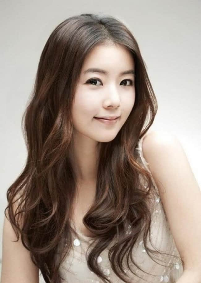 15 Famous Korean Hairstyles For Ladies Sheideas