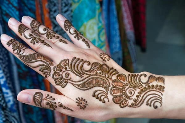 cool-mehndi-designs-pictures-for-women
