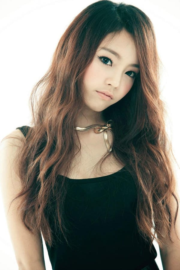cute-korean-long-hairstyles-for-new-year-2017