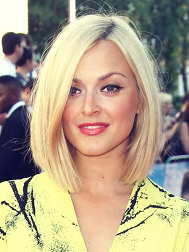 cute-long-bob-blonde-hairstyles-for-christmas