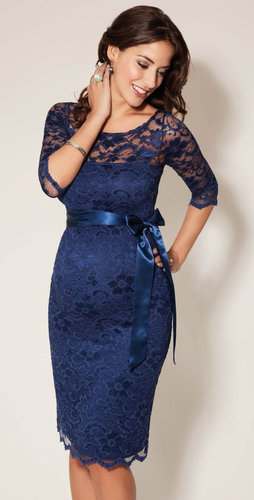 elegant-winter-wedding-guest-blue-dresses-images