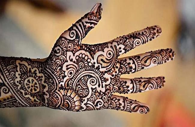 gujarati-full-hand-mehndi-designs-for-ladies