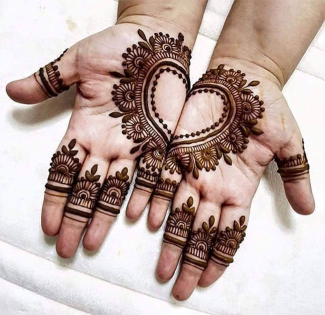 heart-shaped-henna-designs-for-karva-chauth