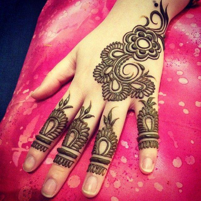 new-designer-mehndi-designs-for-women