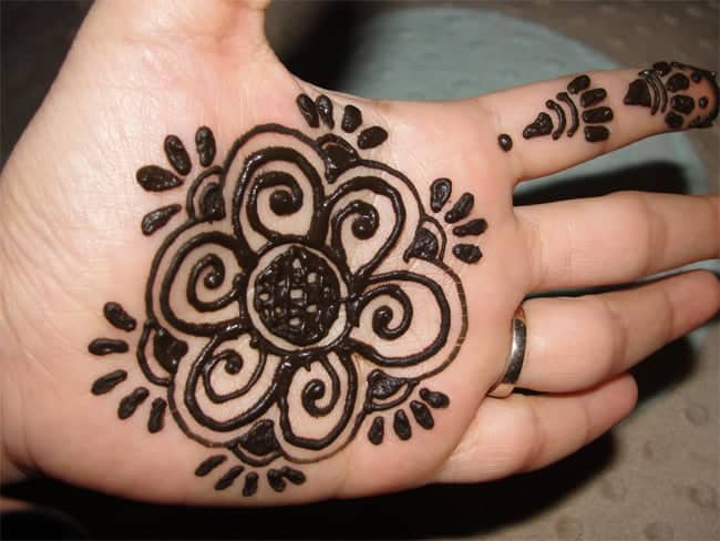 Mehndi Design  Simple And Easy