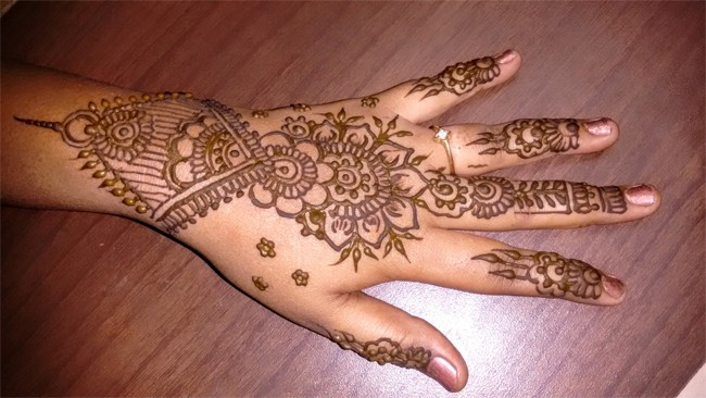 simple-and-easy-bridal-mehndi-designs-for-hands