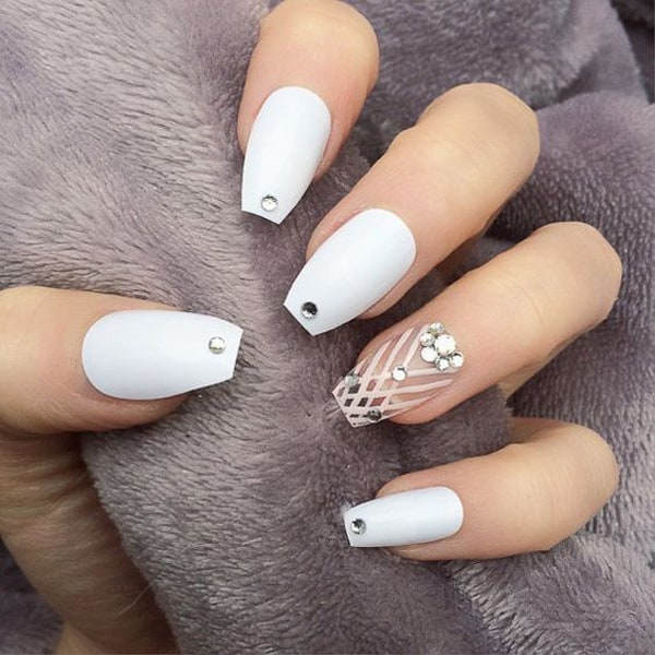 stylish-coffin-white-nail-art-ideas-for-party