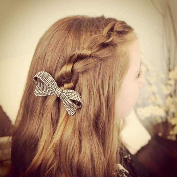 25 Good Looking Easy Hairstyles for Girls 2020 - SheIdeas