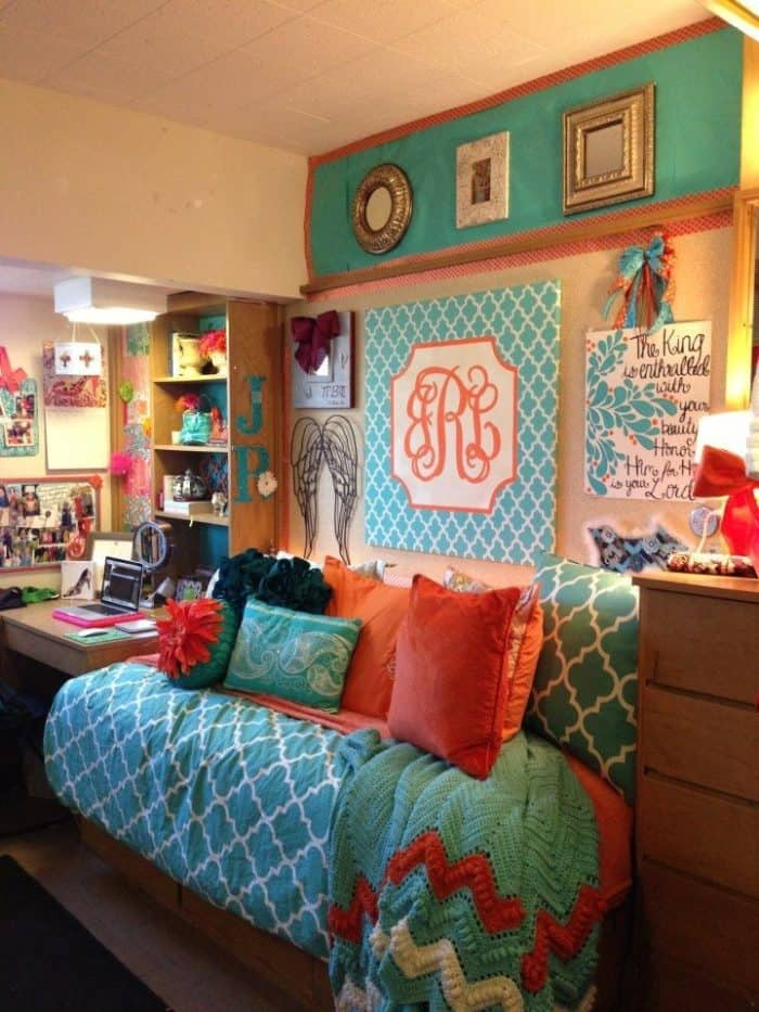 Dorm Room Layouts: 25 Really Cute Dorm Room Ideas For Inspiration