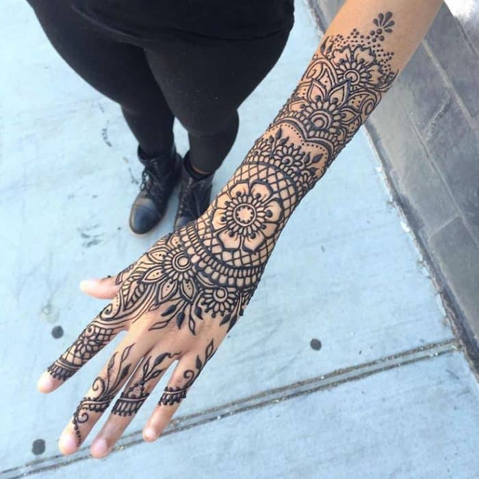 15 Inspirational Henna Hand Tattoos For Women Sheideas