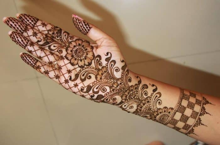 Mehndi Designs Latest New Style : Latest mehndi designs new style for females sheideas