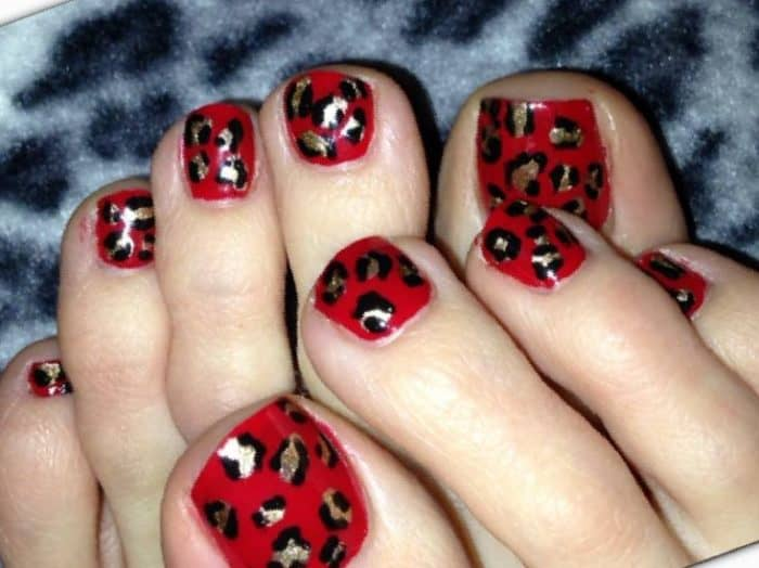 30 Majestic Fall Toe Nail Designs Images for 2018 – SheIdeas