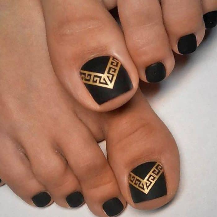 30 Majestic Fall Toe Nail Designs Images for 2018 - SheIdeas