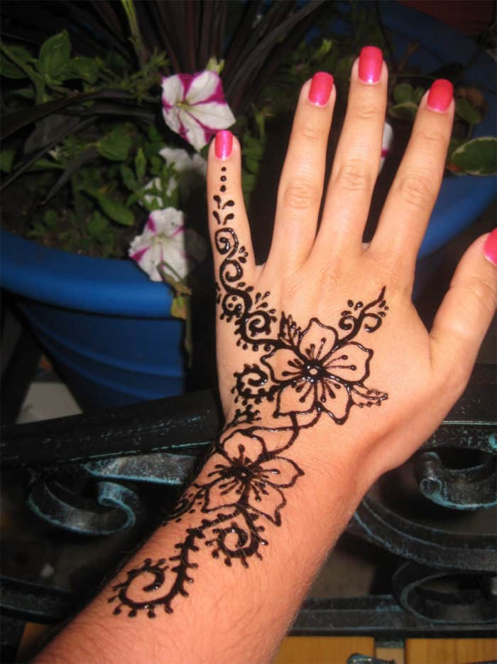 Simple Henna Tattoo Henna Tattoo: 30 Stylish Summer Henna Tattoo Designs 2019