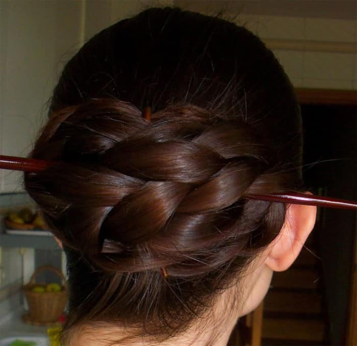 25 Easy Hair Stick Bun Ideas for Ladies