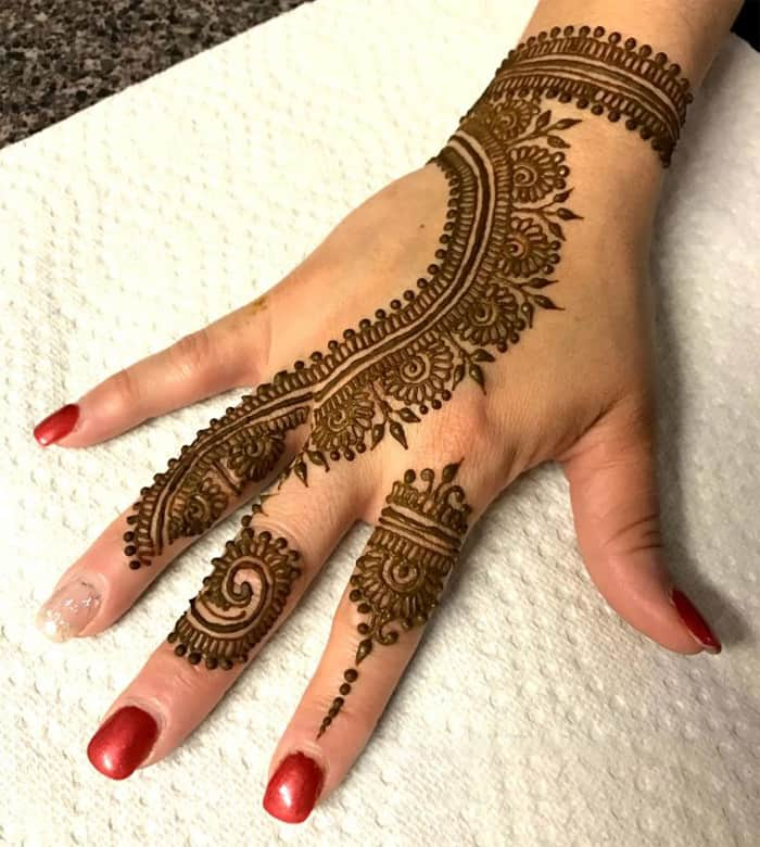 30 Latest Simple Indian Mehndi Designs Images – SheIdeas