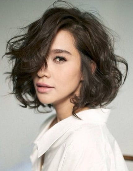 messy wavy short hairstyles for women