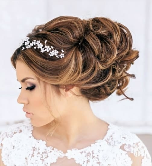 indian bridal hairstyle for round face