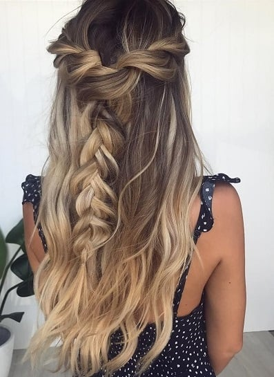 dama hairstyles with fishtail loops and loose waves