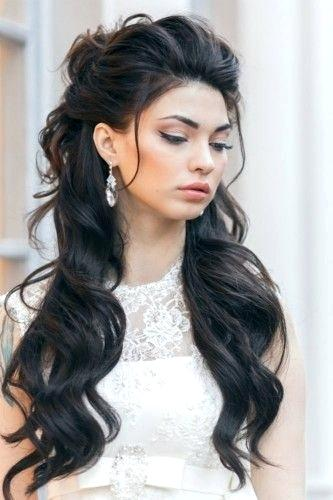 Tousled bouffant hairstyle for women