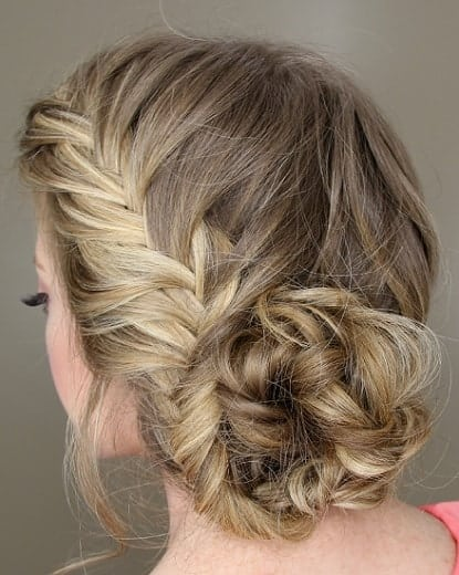 indian bridal hairstyle with side french braid