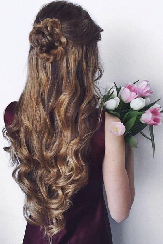 Top 15 Dama Hairstyles For Quinceaneras November 2019
