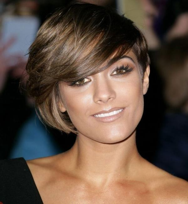 Asymmetry haircuts idea for heart shaped faces