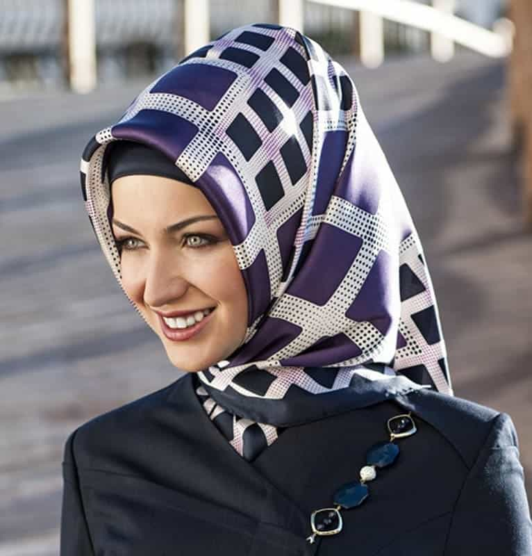 angular scarf style for arabian women
