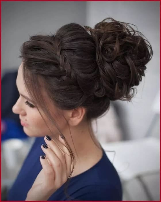 Gorgeous Messy Bun hairstyles for medium hair