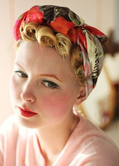 1940s women's hairdo with scarf